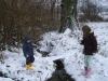 enfants-jouent-neige
