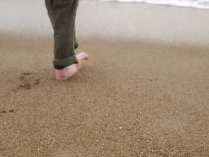 Quand les orteils rouges de froids ont besoin de se reposer il reste les talons pour à  nouveau jouer avec les vagues