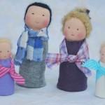 Un Dimanche au soleil avec des poupées et une flûte